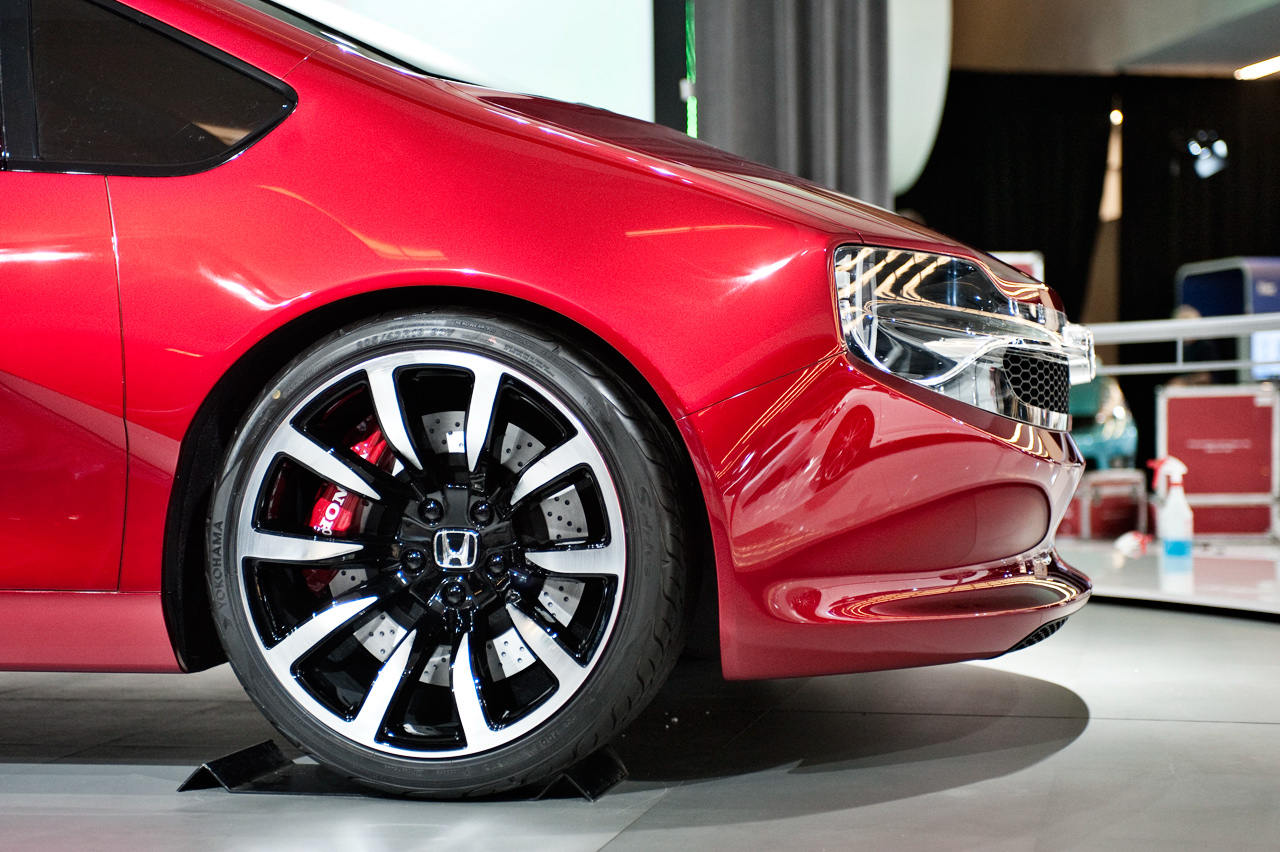 2013-Montreal-Auto-Show-sees-Honda-GEAR-world-debut-8